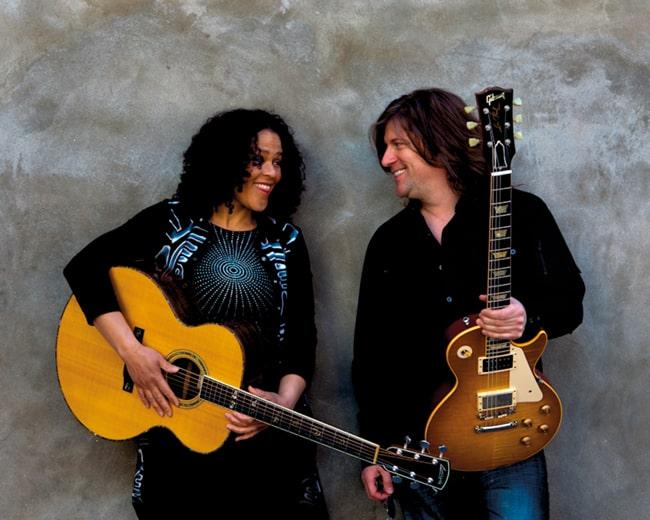 Dawn Tyler Watson & Paul Deslauriers - 2011